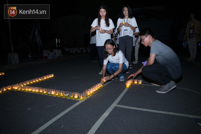 Đêm ra trường chuyên Lê Hồng Phong: Còn hơn những giọt nước mắt chính là cùng cười, cùng vui bên nhau đêm cuối - ảnh 17