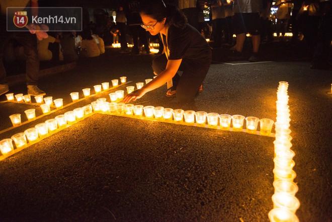 Đêm ra trường chuyên Lê Hồng Phong: Còn hơn những giọt nước mắt chính là cùng cười, cùng vui bên nhau đêm cuối - ảnh 16