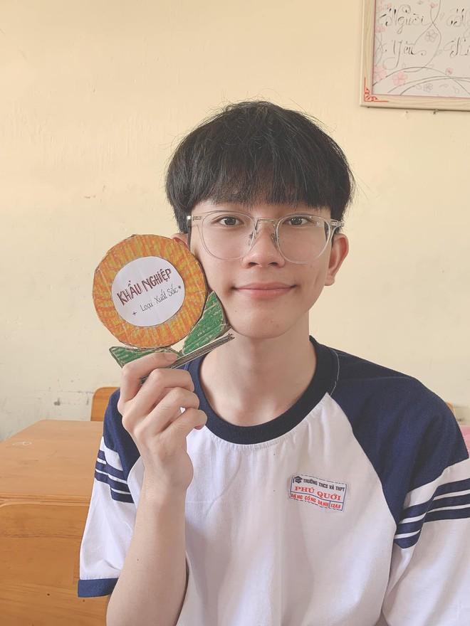 Nam sinh 2001 xinh xắn như idol Kpop, chiếm sóng MXH với chứng nhận khẩu nghiệp được bạn cùng lớp phong tặng - ảnh 3