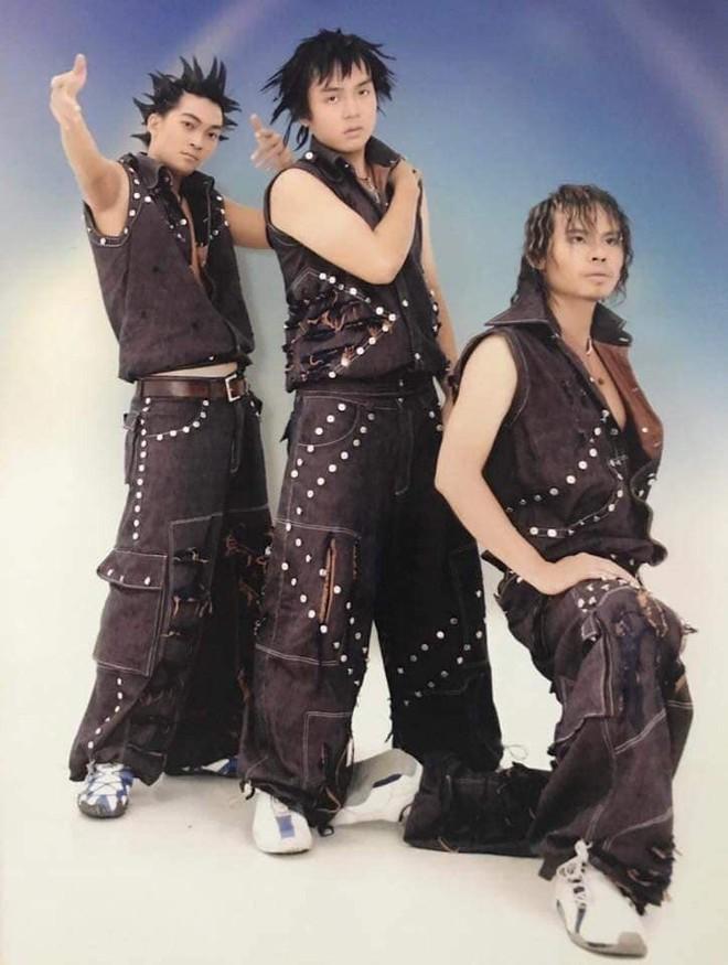 Cười té với tạo hình những nhóm nhạc nam có Ngô Kiến Huy, Khương Ngọc ngày xưa: Đến HKT cũng phải... chào thua - Ảnh 5.