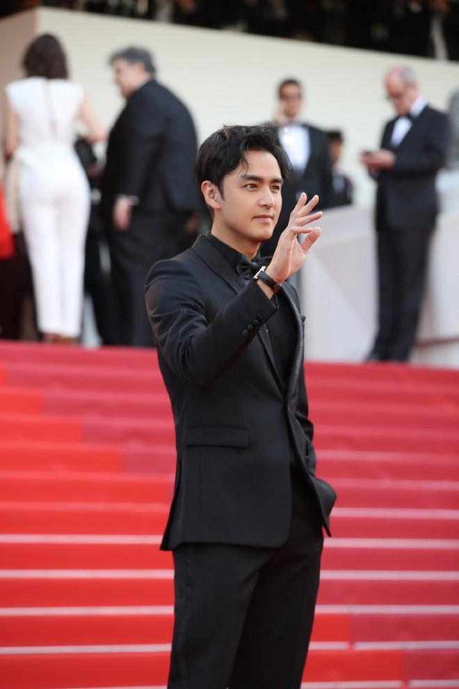 Xuất hiện trẻ trung tại Cannes, khán giả thắc mắc: Thời gian bỏ quên Hoàng tử ếch Minh Đạo mất rồi! - ảnh 4