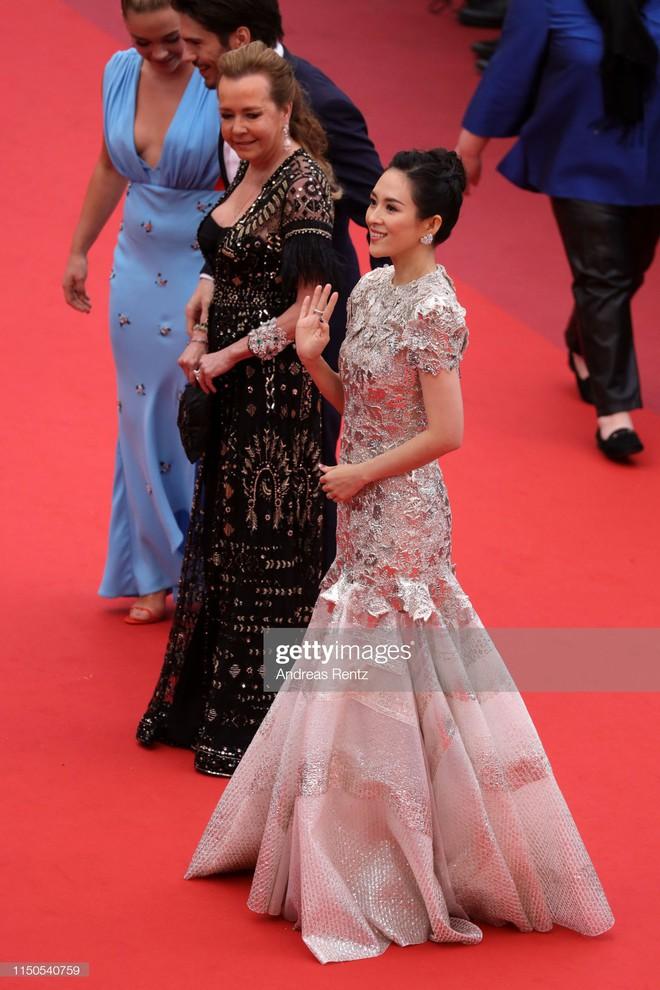 Cannes ngày 6: Chương Tử Di thần thái ngút ngàn, Hoa hậu đẹp nhất mọi thời đại đè bẹp loạt mỹ nhân Hollywood - Ảnh 4.