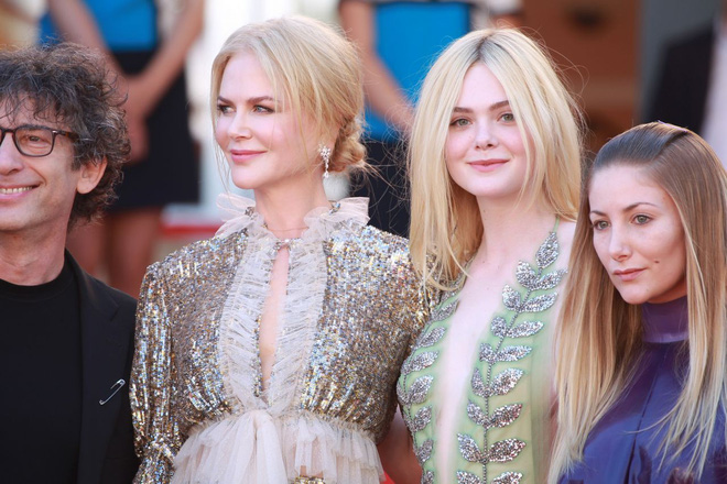 Giám khảo trẻ nhất lịch sử Cannes Elle Fanning: Đẹp vô thực, từ bóng của chị gái thành cô tiên nước Mỹ quyền lực - Ảnh 9.