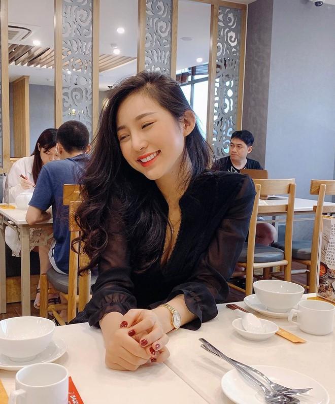 Thành viên mới của hội girl xinh Việt lên báo nước ngoài: Cười siêu đẹp, body siêu hot - ảnh 5