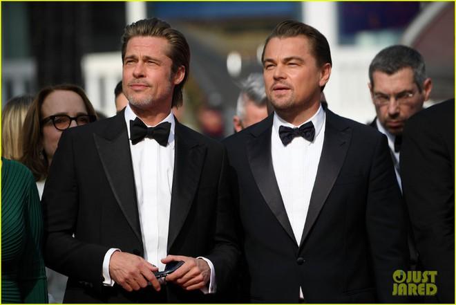 Choáng với ảnh cặp tài tử Brad Pitt và Leonardo hiện tại và 30 năm trước: Người vẫn quá đỉnh, kẻ vừa béo vừa tuột dốc - ảnh 3