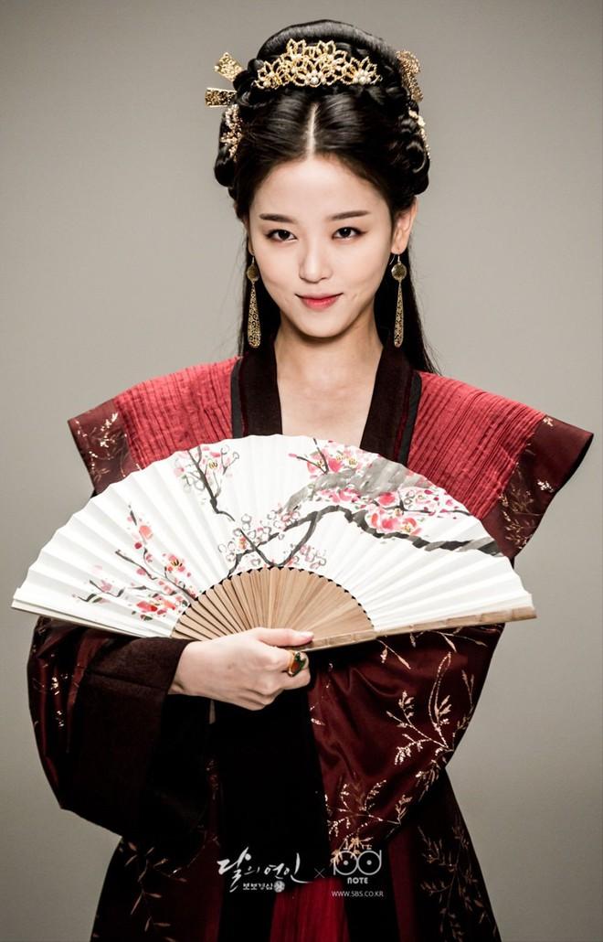 Nàng thơ của Vương Đại Lục: Cô gái vàng trong làng phủ nhận, sự nghiệp lận đận dù vô cùng tài năng! - ảnh 7