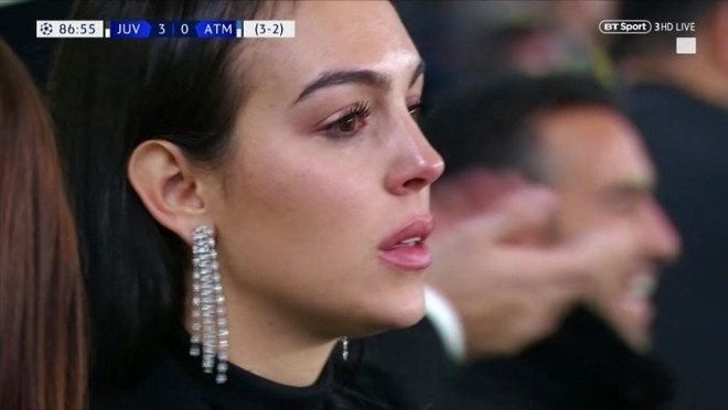 Cô gái vàng trong làng lọ lem đời thực: Mẫu 9x chiếm trọn trái tim, khối tài sản nửa tỷ đô của tay sát gái Ronaldo - ảnh 13