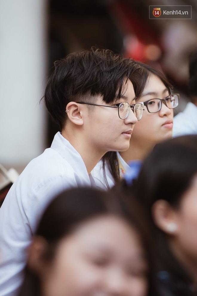 Không khóc lóc ỉ ôi ngày bế giảng, học sinh TPHCM cười phớ lớ tạm biệt tuổi học trò - ảnh 4