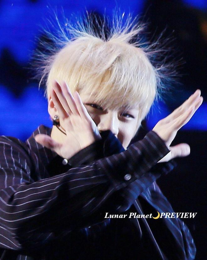Khi idol Kpop tóc gió thôi bay: Người đẹp lồng lộn, kẻ thành trò cười thiên hạ, riêng em út BLACPINK gây tò mò - ảnh 14