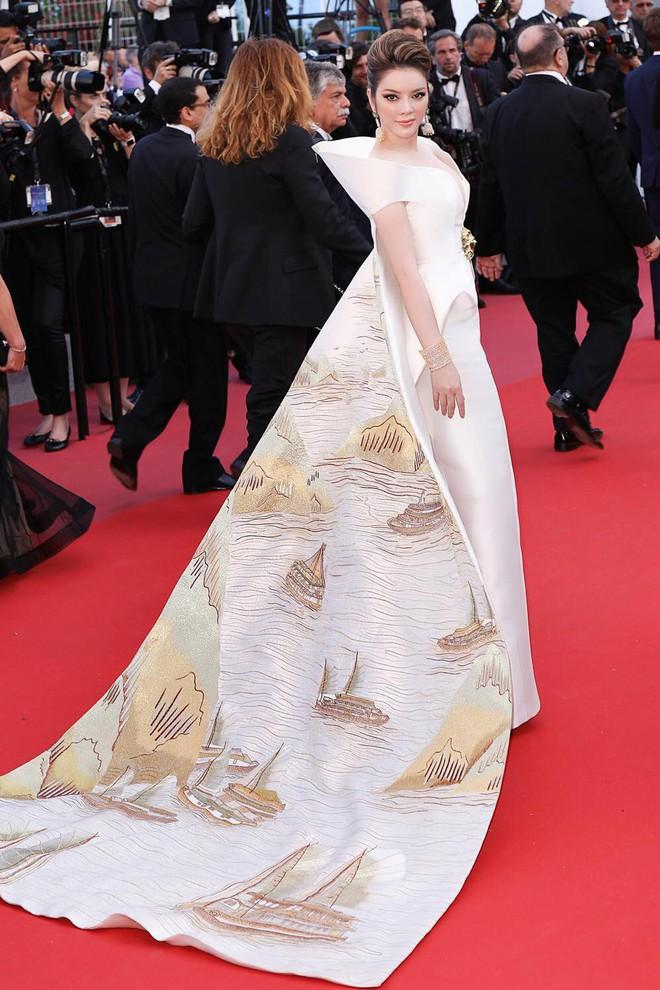 Không có Lý Nhã Kỳ thì đã có Trương Thị May mang áo dài Việt lên thảm đỏ LHP Cannes - ảnh 1