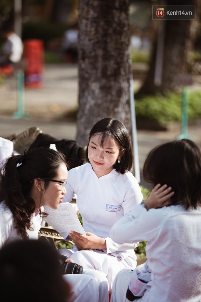 Bế giảng trường THPT hơn 100 tuổi, lâu đời bậc nhất Việt Nam: Cả một trời trai xinh gái đẹp - ảnh 5