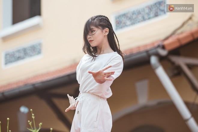 Bế giảng trường THPT hơn 100 tuổi, lâu đời bậc nhất Việt Nam: Cả một trời trai xinh gái đẹp - ảnh 13