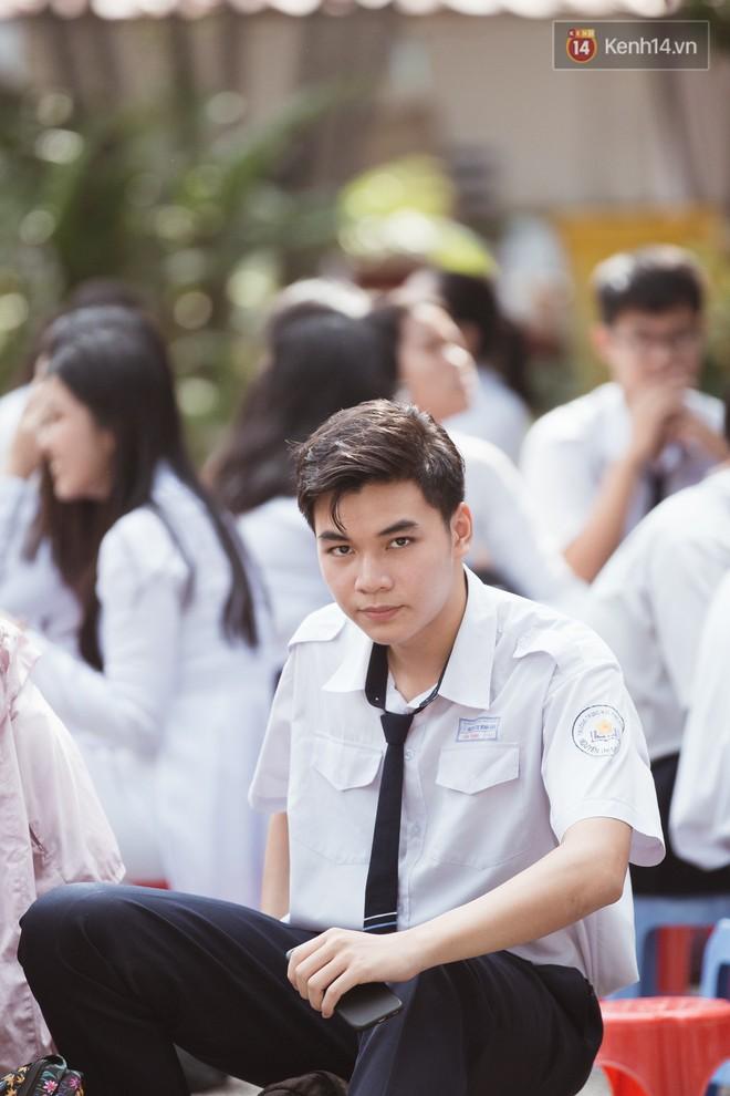 Bế giảng trường THPT hơn 100 tuổi, lâu đời bậc nhất Việt Nam: Cả một trời trai xinh gái đẹp - ảnh 11