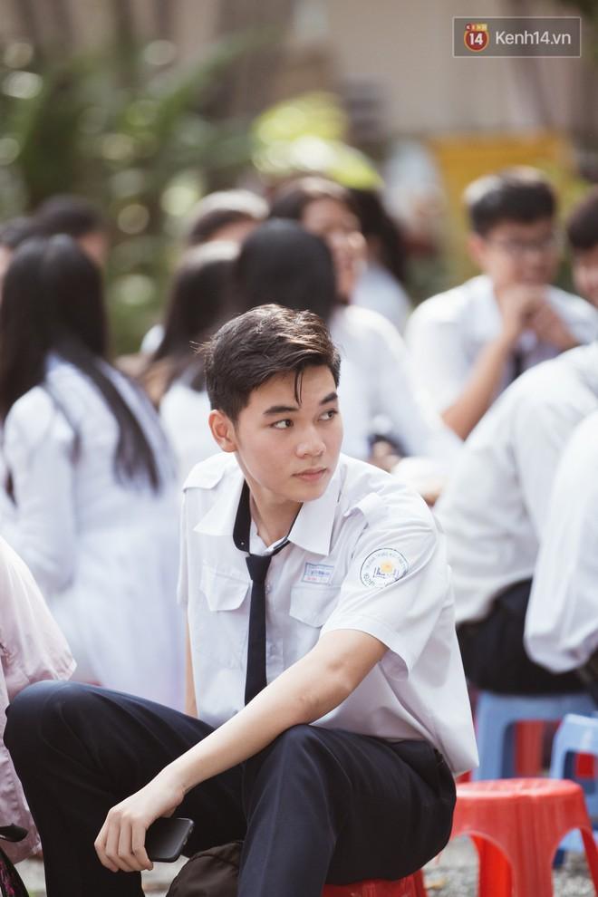 Bế giảng trường THPT hơn 100 tuổi, lâu đời bậc nhất Việt Nam: Cả một trời trai xinh gái đẹp - ảnh 10