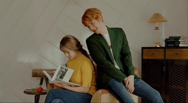 Ngạc nhiên chưa? Gà cưng JYP từng diễn MV của trai đẹp EXO Baekhyun giờ lên hàng vai chính Hollywood! - Ảnh 1.