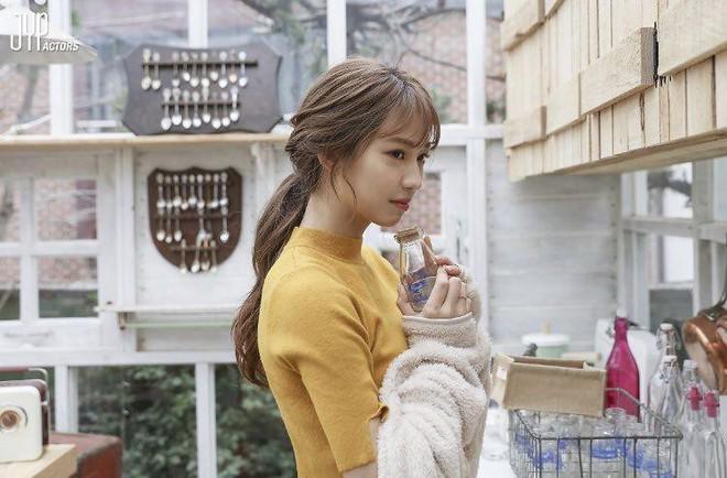 Ngạc nhiên chưa? Gà cưng JYP từng diễn MV của trai đẹp EXO Baekhyun giờ lên hàng vai chính Hollywood! - Ảnh 2.