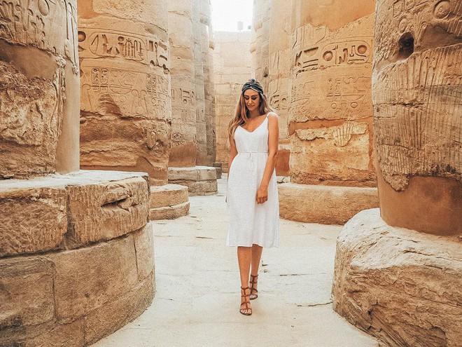 Đền Karnak: Bảo tàng ngoài trời lớn nhất thế giới, khiến giới blogger du lịch mê mẩn khi đặt chân đến Ai Cập - Ảnh 2.