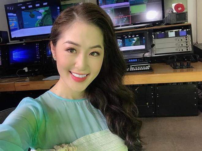"""Giảm liền tù tì 8kg và """"hi sinh"""" 2 chiếc răng khểnh, MC đài Quảng Ninh được mệnh danh là  """"nữ thần thời tiết"""" - ảnh 1"""