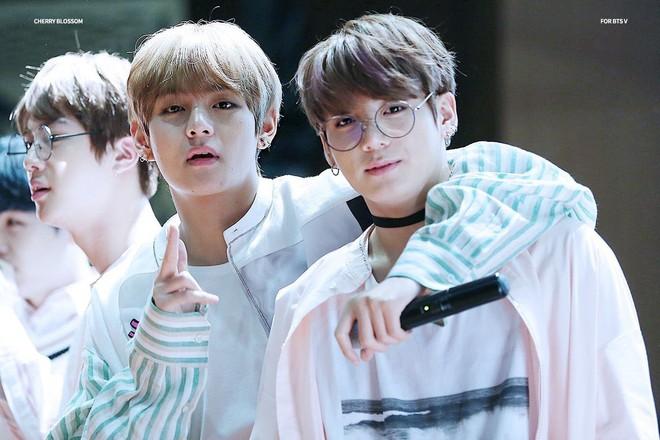 Ngọt như cặp bromance hot nhất Kpop: V (BTS) lén làm điều này cho Jungkook, ai ngờ sau 1 năm bị ghi lại hết trong clip - ảnh 8