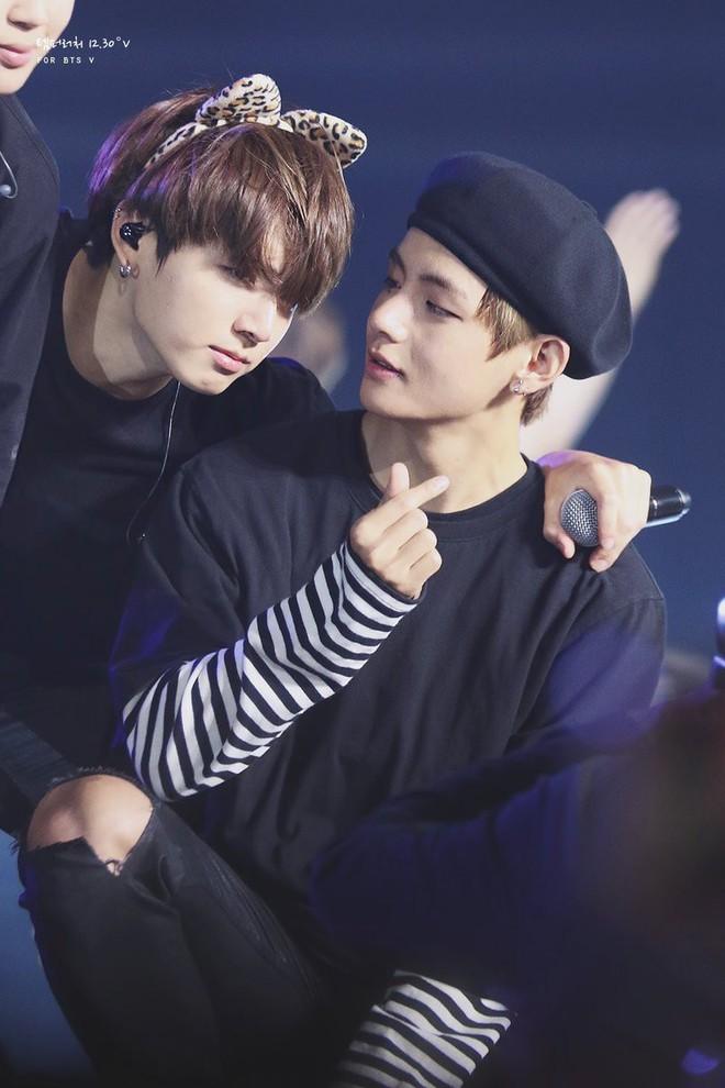 Ngọt như cặp bromance hot nhất Kpop: V (BTS) lén làm điều này cho Jungkook, ai ngờ sau 1 năm bị ghi lại hết trong clip - ảnh 7
