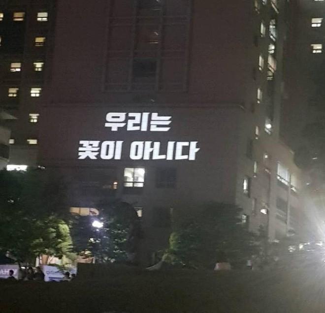 """Tiên tiến như Hàn Quốc phụ nữ cũng bị chèn ép đủ đường, nữ sinh viên tham chiến nữ quyền với tuyên ngôn: """"Tôi không có bạn trai, tôi thích con gái"""" - ảnh 11"""