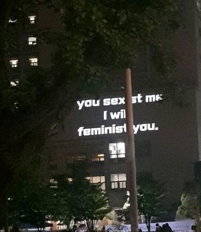 """Tiên tiến như Hàn Quốc phụ nữ cũng bị chèn ép đủ đường, nữ sinh viên tham chiến nữ quyền với tuyên ngôn: """"Tôi không có bạn trai, tôi thích con gái"""" - ảnh 4"""
