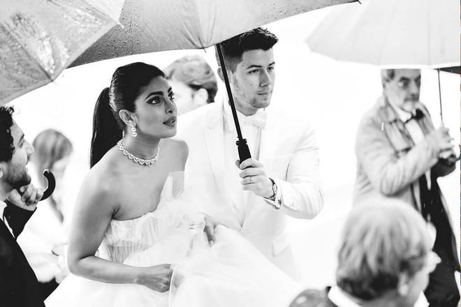 Top khoảnh khắc đắt giá nhất Cannes 2019: Dàn mỹ nhân 9X bất ngờ chiếm đa số, Selena và cặp đôi Brooklyn ấn tượng mạnh - ảnh 7