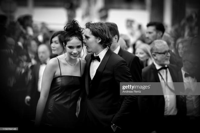 Top khoảnh khắc đắt giá nhất Cannes 2019: Dàn mỹ nhân 9X bất ngờ chiếm đa số, Selena và cặp đôi Brooklyn ấn tượng mạnh - ảnh 3
