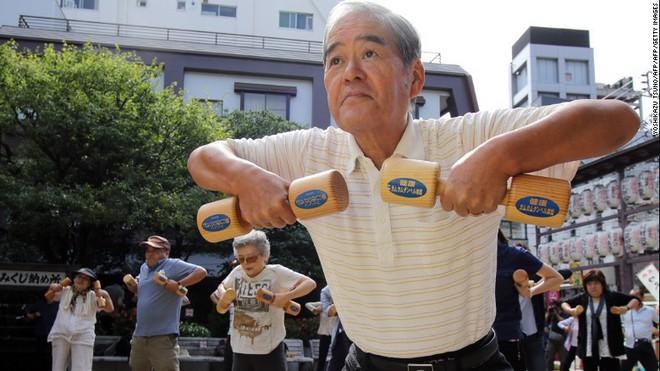 """Bí quyết sống """"bất tử"""" của người Nhật Bản chỉ gói gọn đơn giản trong MỘT TỪ mà khiến hàng triệu người trên thế giới học tập, có người dành cả đời cũng chưa ngộ ra được - ảnh 2"""