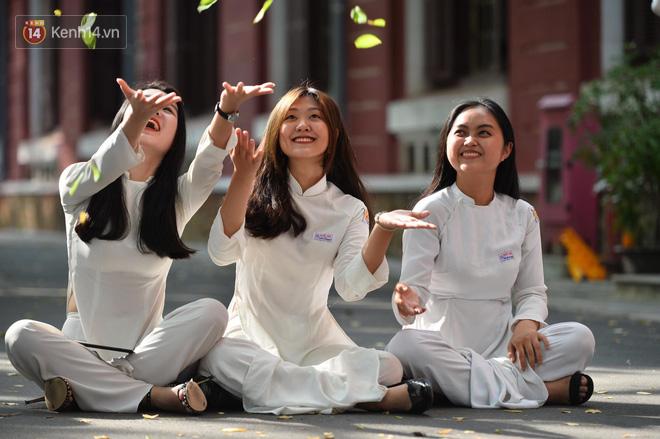 Không hổ danh là con gái Huế, dàn nữ sinh trường Quốc học khiến bao người ngẩn ngơ vì vẻ đẹp trong sáng, dịu dàng - ảnh 2