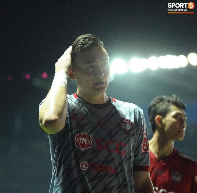 Xuân Trường, Văn Lâm ôm nhau đầy tình cảm sau trận đối đầu tại Thai League - ảnh 7