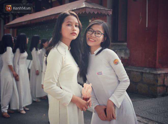 Không hổ danh là con gái Huế, dàn nữ sinh trường Quốc học khiến bao người ngẩn ngơ vì vẻ đẹp trong sáng, dịu dàng - ảnh 22