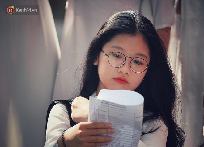 Không hổ danh là con gái Huế, dàn nữ sinh trường Quốc học khiến bao người ngẩn ngơ vì vẻ đẹp trong sáng, dịu dàng - ảnh 20