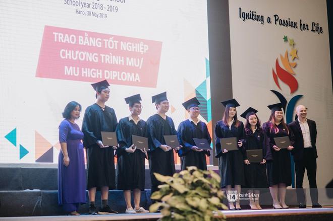 Đẳng cấp lễ bế giảng trường song ngữ quốc tế tại Hà Nội: Học sinh đẹp đã đành, nhan sắc thầy cô còn đỉnh cao hơn - ảnh 12