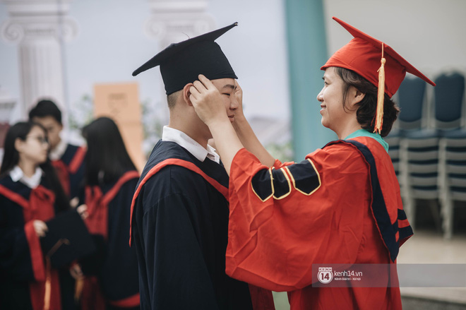Đẳng cấp lễ bế giảng trường song ngữ quốc tế tại Hà Nội: Học sinh đẹp đã đành, nhan sắc thầy cô còn đỉnh cao hơn - ảnh 8