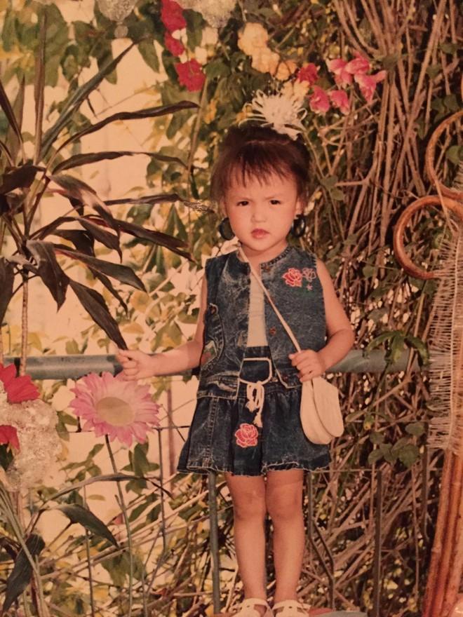 """Loạt ảnh từ nhỏ đến lớn của Thu Quỳnh """"Về nhà đi con"""" chứng minh nhan sắc xinh đẹp từ bé là có thật - Ảnh 1."""