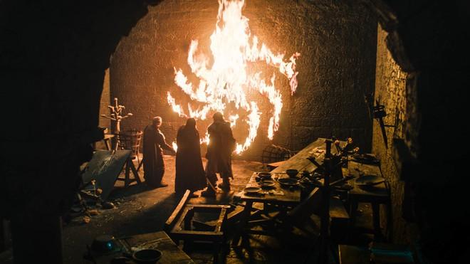Chỉ với một tập phim, Game of Thrones mùa 8 đã phá nát cả 9 năm xây dựng - ảnh 7