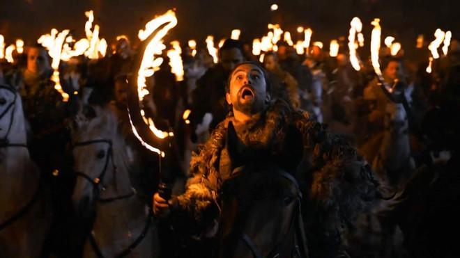 Chỉ với một tập phim, Game of Thrones mùa 8 đã phá nát cả 9 năm xây dựng - ảnh 2