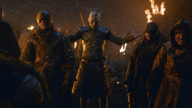 Chỉ với một tập phim, Game of Thrones mùa 8 đã phá nát cả 9 năm xây dựng - ảnh 4