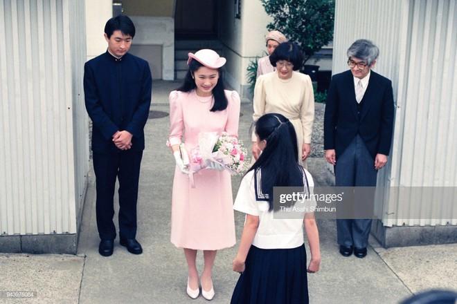 Tân Thái tử phi Kiko: Nàng dâu chuẩn mực, hoàn hảo đến khó tin, được lòng cả dân chúng Nhật Bản - ảnh 4