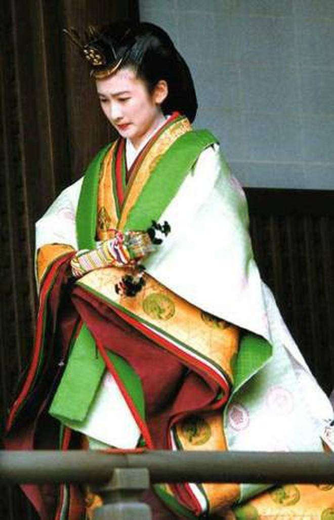 Tân Thái tử phi Kiko: Nàng dâu chuẩn mực, hoàn hảo đến khó tin, được lòng cả dân chúng Nhật Bản - ảnh 7