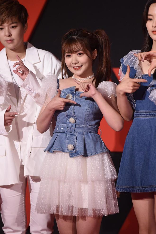 Sự kiện Tencent: Quân đoàn Rocket Girls đổ bộ thảm đỏ chiếm spotlight, Phó Hằng Hứa Khải tuột dốc nhan sắc - Ảnh 10.
