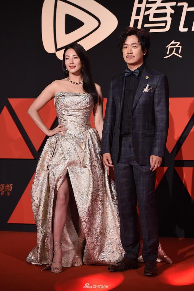 Sự kiện Tencent: Quân đoàn Rocket Girls đổ bộ thảm đỏ chiếm spotlight, Phó Hằng Hứa Khải tuột dốc nhan sắc - Ảnh 16.