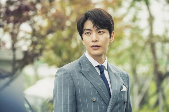 6 chàng trai làm trùm top hôn giỏi xứ Hàn: Ji Chang Wook cũng phải chào thua màn đưa môi bạo liệt cuối cùng - ảnh 15
