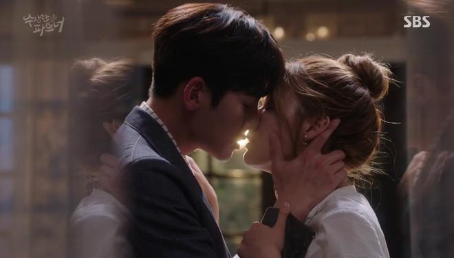 6 chàng trai làm trùm top hôn giỏi xứ Hàn: Ji Chang Wook cũng phải chào thua màn đưa môi bạo liệt cuối cùng - ảnh 8