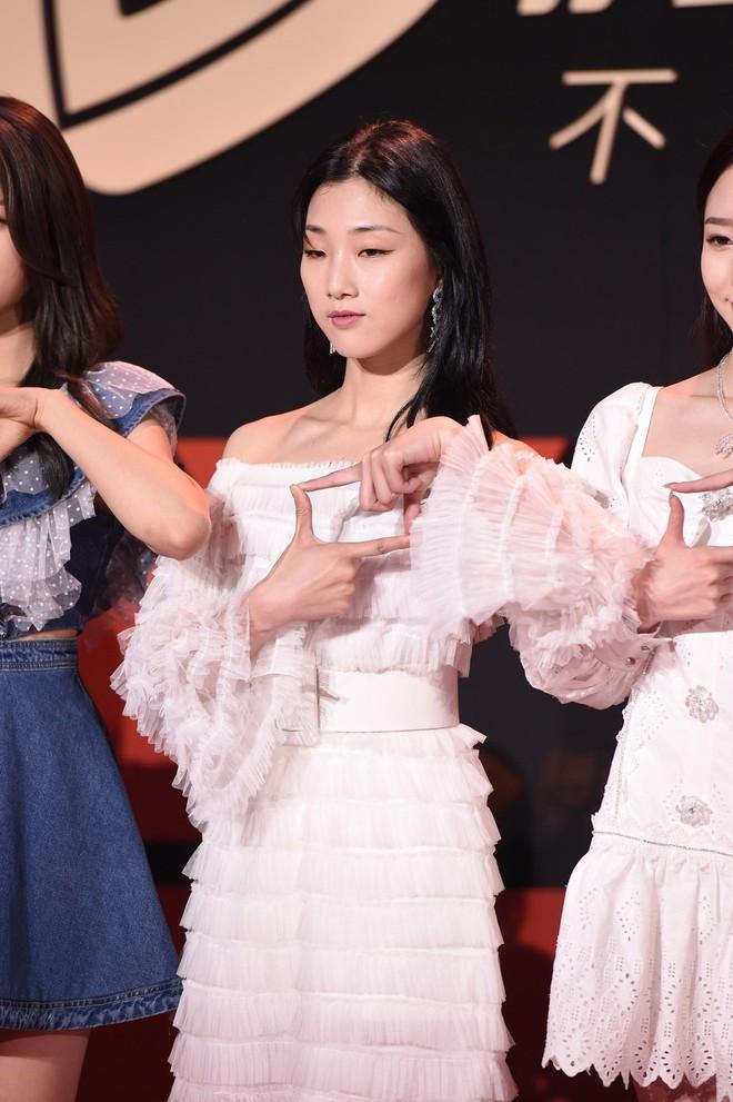 Sự kiện Tencent: Quân đoàn Rocket Girls đổ bộ thảm đỏ chiếm spotlight, Phó Hằng Hứa Khải tuột dốc nhan sắc - Ảnh 9.