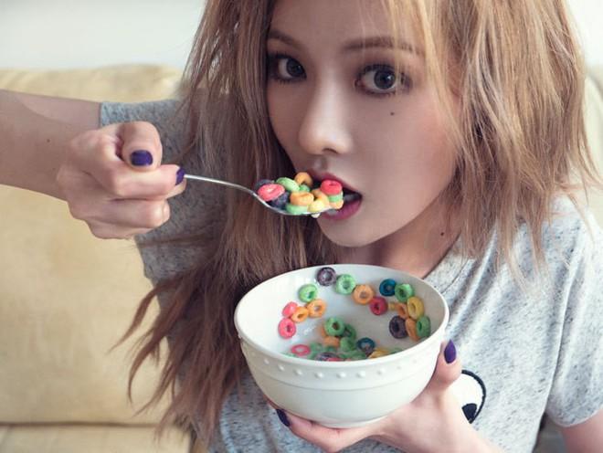 """4 bí quyết ăn uống """"tuy nhỏ mà có võ giúp HyunA duy trì body ai cũng mê - ảnh 4"""