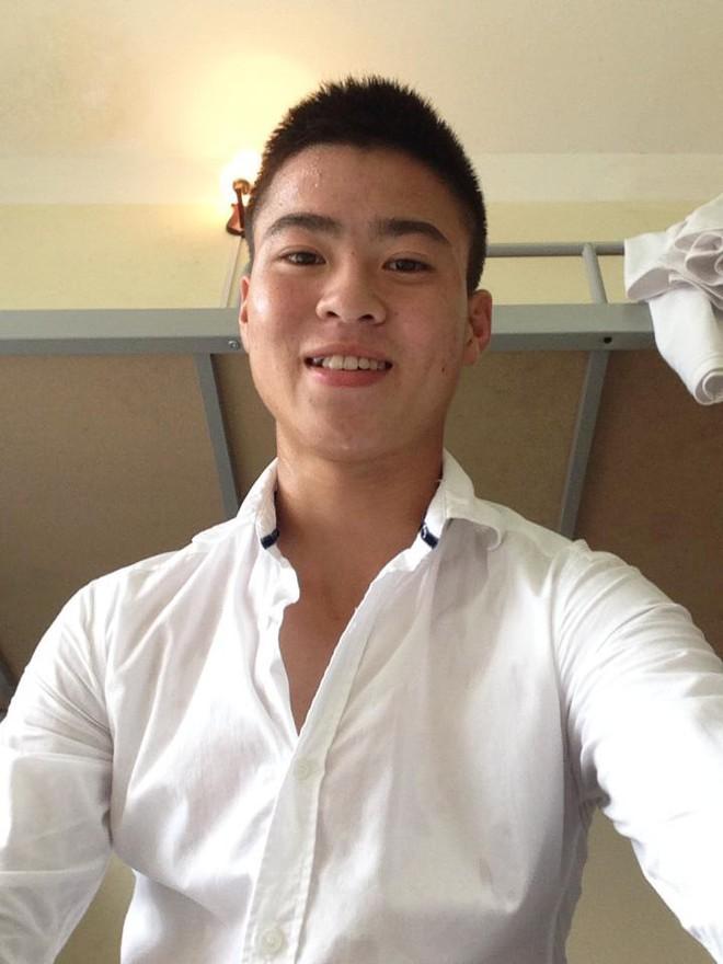 Ngày hè oi ả, cùng điểm danh những kiểu đầu húi cua của dàn tuyển thủ Việt - ảnh 4