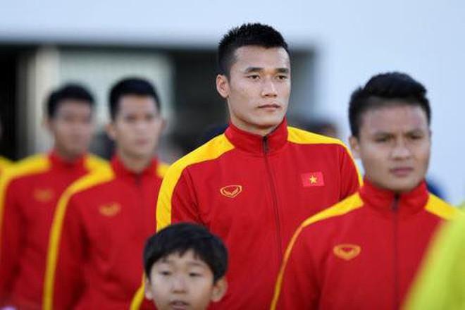 Ngày hè oi ả, cùng điểm danh những kiểu đầu húi cua của dàn tuyển thủ Việt - ảnh 3