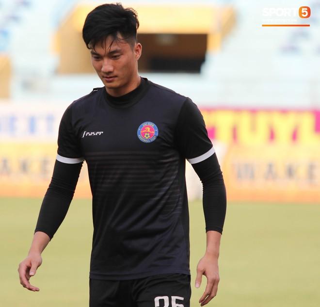 Tiến bộ thần tốc, cựu thủ môn điển trai của U23 Việt Nam vẫn khiêm tốn trước cuộc đọ sức với Hà Nội FC - ảnh 8
